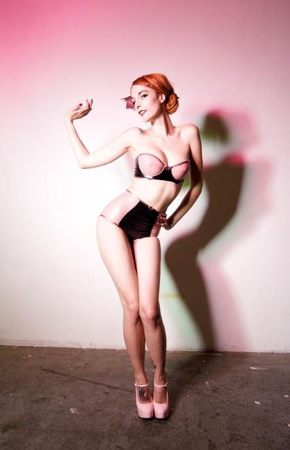http://www.atomicpinup.com/images/Ivy_3.jpg