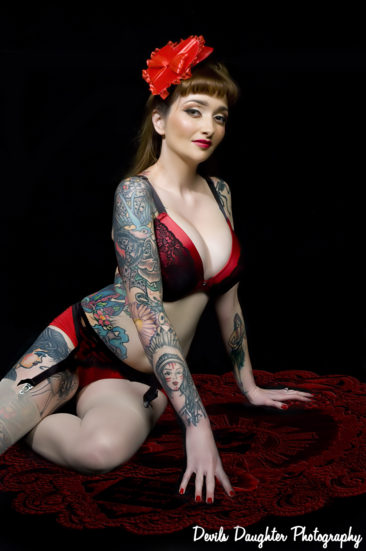 http://www.atomicpinup.com/images/MissTawnieTrouble_2.JPG