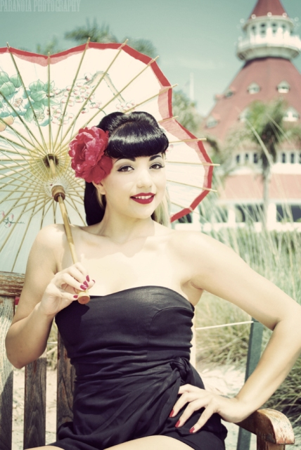 http://www.atomicpinup.com/images/TexasTimebomb_4.jpg